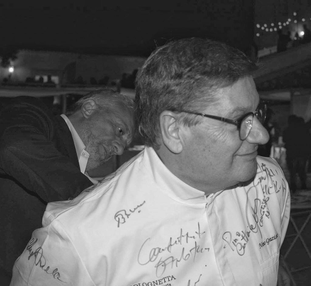 Nino Graziano, dietro - alla firma - Davide Scabin