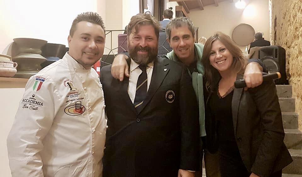 Lo Chef Massimo Ballarò con Marco Maccarrone dell'AIS Agrigento, Fabio Gulotta di Terracotta e Irene Taormina di Duca di Salaparuta